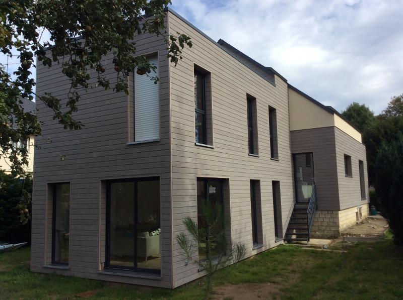 Nouvelle maison en bois massif construite mathieu for Interieur maison bois massif