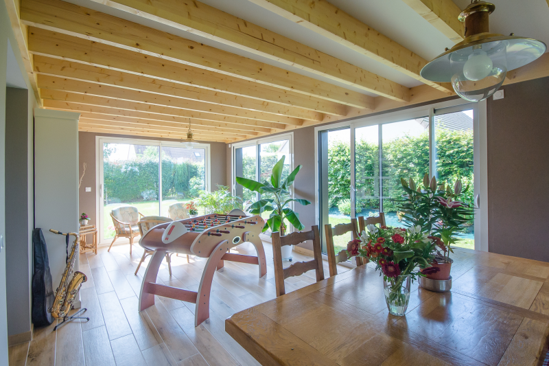Extension en ossature bois colleville calvados for Interieur en bois