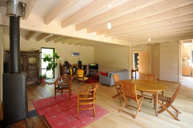 Interieur maison bois massif for Maison interieur