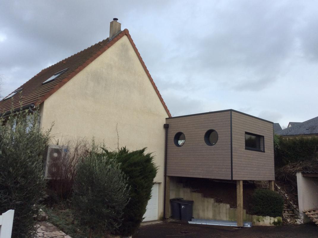 Une extension bois sur pilotis mondeville maisons d for Extension bois sur pilotis